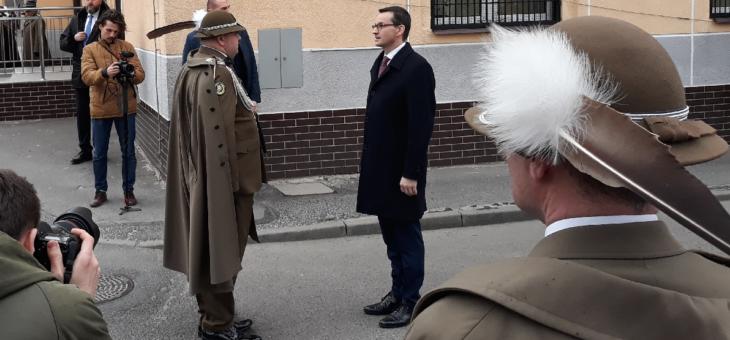 Piknik z okazji obecności Polski w NATO. Premier w jednostce wojskowej na Pobitnym.